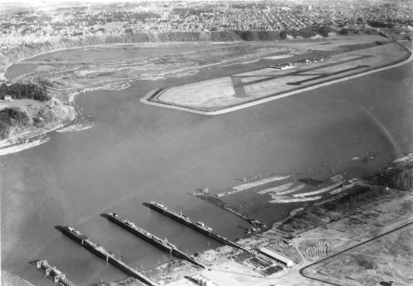Public Works Administration (Archival) - Public Works Administrator - Photographs - A2005-005.1397.2 Aerial view of Swan Island Airport Mocks Bottom and Willbridge Docks.JPG